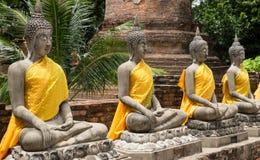 Estátua velha no templo Wat Yai Chai Mongkhon Foto de Stock