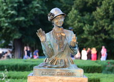 Estátua viva - Coco Chanel Fotografia de Stock Royalty Free