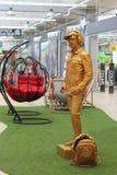 Estátua viva na alameda imagens de stock royalty free
