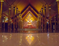 Estátua Wat Sirindhornwararam da Buda Imagem de Stock