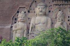 Estátuas da Buda de grutas de Maijishan imagens de stock royalty free