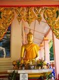 Estátuas da Buda nos templos fotografia de stock royalty free