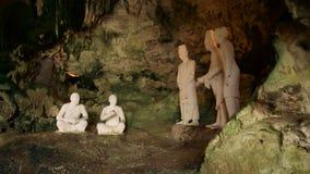 Estátuas da caverna de Jatijajar vídeos de arquivo