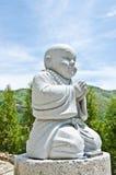 Estátuas da monge no templo. Imagem de Stock