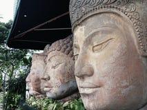 Estátuas de pedra da cara imagens de stock