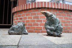 Estátuas do anão de Wroclaw foto de stock