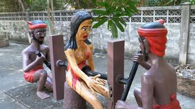 Estátuas do inferno que descreve vícios humanos no templo de Eden e de inferno tailândia video estoque