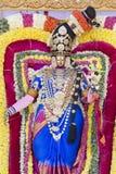 Estátuas dos deuses indianos Brahma, Vishnu Durga Shiva Ganesha, feito com as flores para o o festival de Masi Magam Imagem de Stock Royalty Free