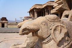 Estátuas dos elefantes de pedra fotografia de stock royalty free