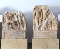 Estátuas e relevos no museu dos Aphrodisias, Aydin, região egeia, Turquia - 9 de julho de 2016 Imagens de Stock