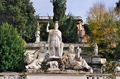 Estátuas em Praça del Popolo Fotos de Stock Royalty Free