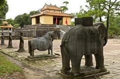 Estátuas em túmulos de Minh Mang Foto de Stock