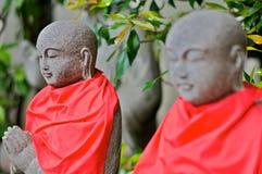 Estátuas em um templo xintoísmo Fotografia de Stock Royalty Free