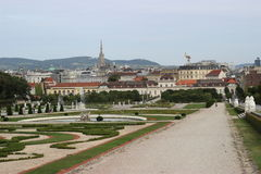 Estátuas no jardim Viena de Belvederegarten fotografia de stock royalty free