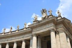 Estátuas no quadrado do St. Peter, Cidade do Vaticano Fotografia de Stock Royalty Free