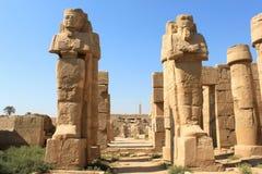 Estátuas no templo de Karnak, Egito Imagens de Stock Royalty Free