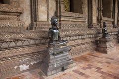 Estátuas no templo de Pha Kaew do espinho Foto de Stock Royalty Free