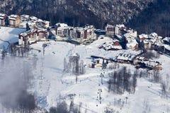 Estância de esqui de Rosa Hutor e montanhas caucasianos Imagem de Stock