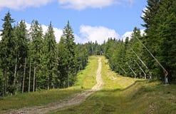Estância de esqui no verão, Carpathians de Bukovel, Ucrânia Imagens de Stock