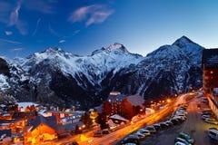 Estância de esqui nos alpes imagens de stock royalty free