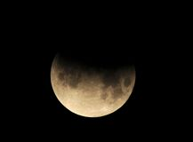 Esté en la luna, eclipse lunar parcial Los Ángeles, California Foto de archivo