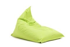 Estúdio disparado de uma cadeira verde do beanbag Imagem de Stock