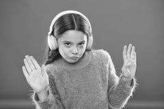 Est? atento libremente Consiga la suscripci?n de la cuenta de la m?sica Acceso a las canciones de millones Disfrute del concepto  imágenes de archivo libres de regalías