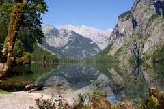 Est-parete di Watzmann e un montagna-lago Fotografie Stock Libere da Diritti