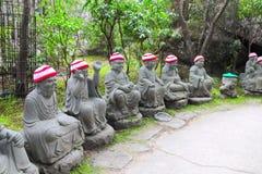 Est?tuas de Ksitigarbha da pedra no templo de Daishouin, ilha de Miyajima, Jap?o foto de stock royalty free