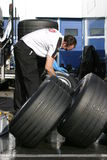 Estação 2005, pneumáticos da fórmula 1 de lavagem Fotografia de Stock Royalty Free