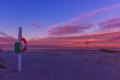 A estação da costa negligencia Imagens de Stock Royalty Free