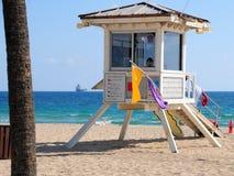 Estação da salva-vidas na praia Imagem de Stock Royalty Free