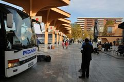 Estação de ônibus na cidade de Prizren, Kosovo imagem de stock