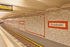 Estação de Alexanderplatz U-bahn (metro) em Berlim Imagens de Stock Royalty Free