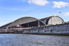 Estação de Amsterdão Centraal fotos de stock royalty free