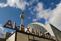 Estação de Berlim Fernsehturm Alexanderplatz Fotografia de Stock