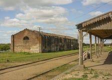 Estação de caminhos-de-ferro abandonado em Uruguai Foto de Stock
