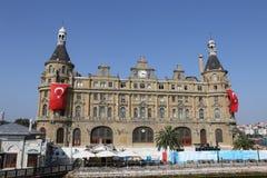 Estação de caminhos-de-ferro de Haydarpasa na cidade de Istambul Fotografia de Stock