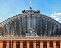 Estação de caminhos de ferro de Atocha da fachada, Madri, Espanha fotografia de stock royalty free