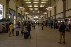 Estação de caminhos-de-ferro da central de Cardiff Fotos de Stock Royalty Free