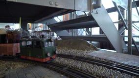 Estação de caminhos de ferro do restaurante em Praga video estoque
