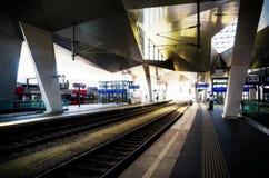 Estação de caminhos-de-ferro principal Hauptbahnhof de Viena foto de stock royalty free