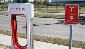 Estação de carregamento de Tesla Foto de Stock