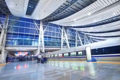 Estação de comboio com por do sol imagem de stock royalty free