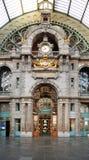 Estação de comboio histórica de Antwerpen-Centraal fotografia de stock