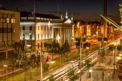 Estação de correios geral em Dublin na rua de Connell do ` de O Irlanda na noite Fotografia de Stock Royalty Free
