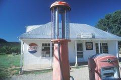 Estação de gasolina antiga, Sena, nanômetro fotos de stock royalty free
