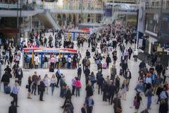 Estação de Londres, Inglaterra - 11 de maio de 2015 Waterloo imagens de stock