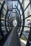 Estação de metro Elemento da arquitetura moderna urbana em Dubai, UAE, junho 2018 imagens de stock