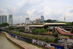 Estação de Pasar Seni LRT em Kuala Lumpur, Malásia imagem de stock
